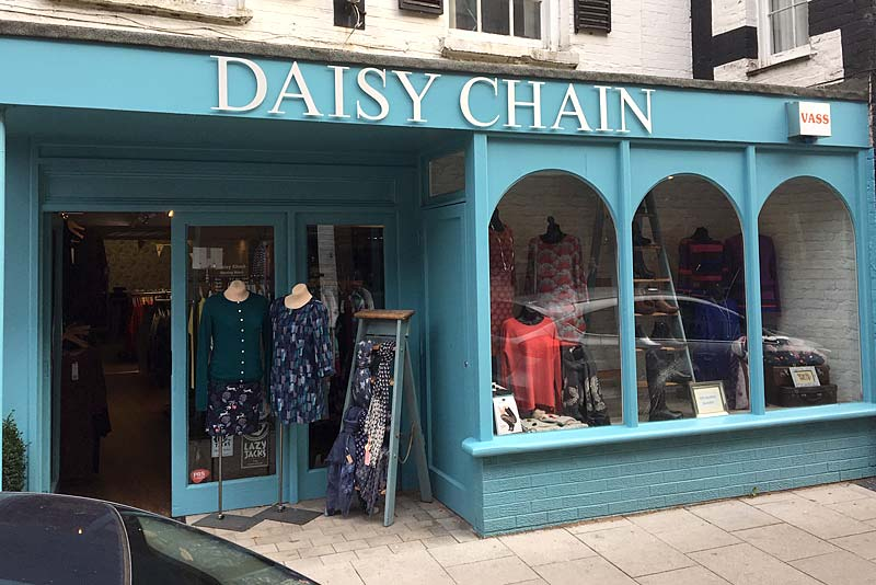 Daisy Chain photo